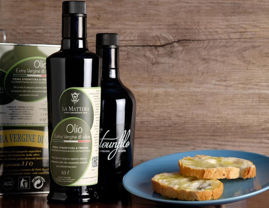 La-Mattera-foto-prodotti-olio-extra-vergine-oliva-marche-fermo-acidita-bassa