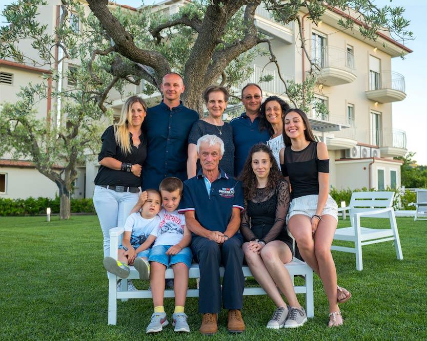 la-mattera-foto-famiglia-normali