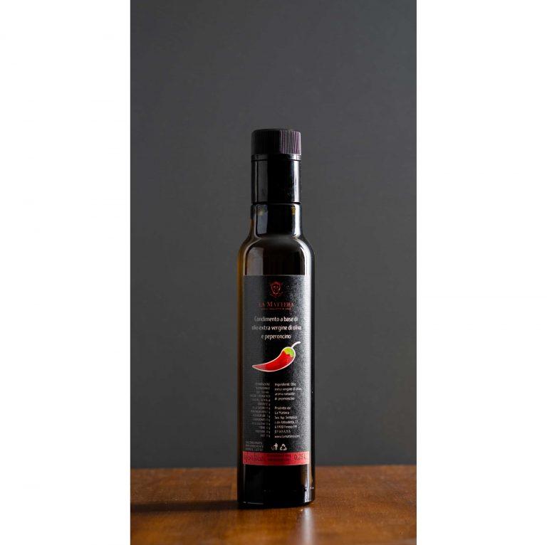 Olio aromatizzato la peperoncino
